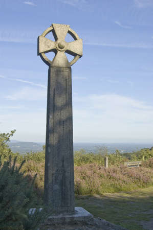 gibbet: The historic Celtic cross marking the spot where the bodies of criminals were strung up at Gibbet Hill on Hindhead Common   The hill overlooks the Devil s Punchbowl valley
