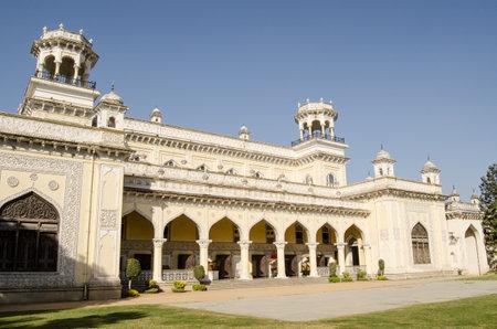 壮大な建物 18 世紀と 19 世紀に建てられた Chowmahalla、ハイデラバード、インドの 4 つの宮殿の 1 つの外観の表示された Nizams 今一般に公開の判決にホ