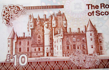 macbeth: Detail of a Royal Bank of Scotland ten pound note showing the historic Glamis Castle.