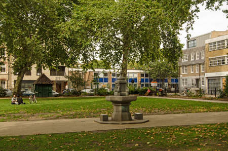 restful: LONDON, UNITED KINGDOM - AUGUST 30, 2014:  The restful Hoxton Square in the centre of the now fashionable district in London