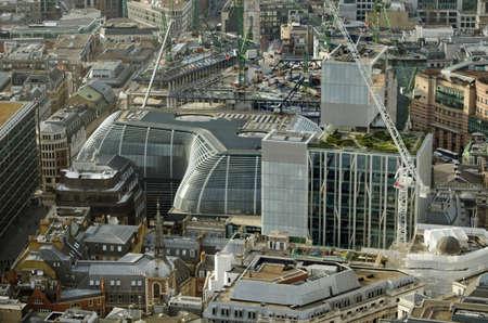 Luftaufnahme des neuen City of London Bürogebäude Die Walbrook. Gegenüber Cannon Street Station und von Foster and Partners entworfen, das Gebäude ist eine kurvige Form. Standard-Bild - 37895979
