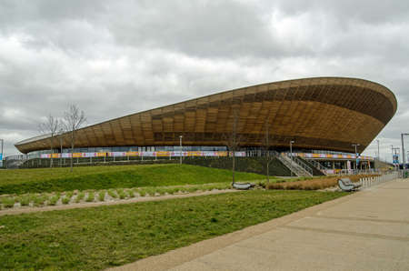 LONDON, UK - MARCH 19, 2016:  Exterior of the Velodrome cycling stadium in Queen Elizabeth Olympic Park, Stratford, London. Redactioneel