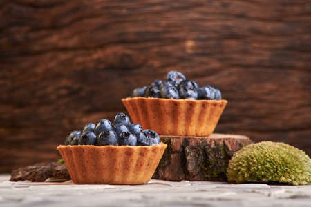delicious home baking. homemade sweet cakes with blueberry berries Imagens
