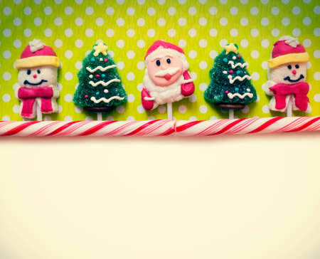 juguetes antiguos: Christmas background with candies