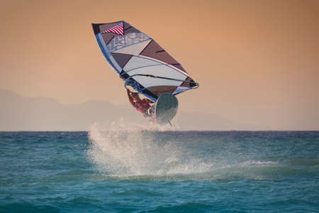 windsurfing: Windsurf salto en Rodas, Grecia