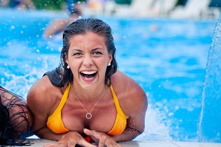 aquapark: Girls in the aquapark