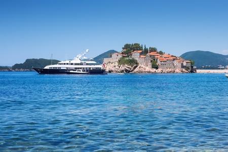 sveti: Resort yacht and island of Sveti Stefan on the Adriatic Sea