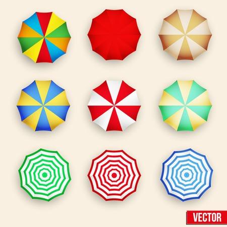 상단: 비치 태양 우산의 상징을 설정합니다. 여름 화창한 파라솔. 벡터