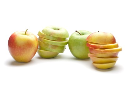 uncut: Due mele non circoncisi e due mele tritato