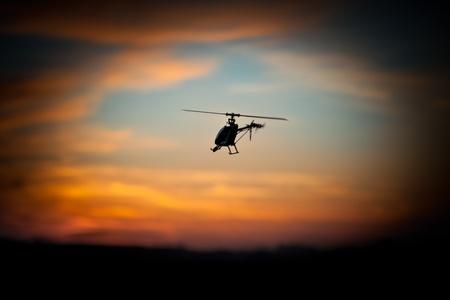 rc: RC는 헬기 일몰 비행