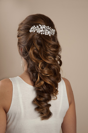 Picture of beautiful woman hairstyle photo