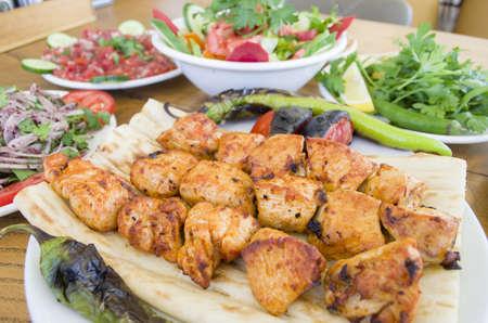 Kip shish kebab menu Stockfoto