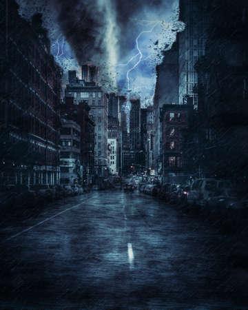 Rue de New York pendant la forte tempête de tornade, pluie et éclairage à New York, image créative.