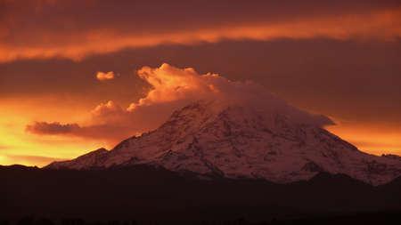 mt: Sunrise over Mt. Rainier
