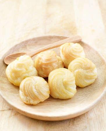 creampuff: Choux Cream, Cream puff on wooden table