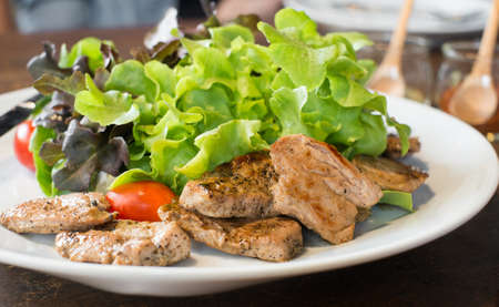 grill: roasted pork salad