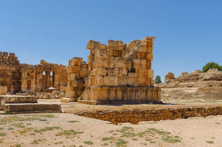 Baalbek Ancient city in Lebanon.Heliopolis temple complex.near the border with Syria.remains Banque d'images - 92041469
