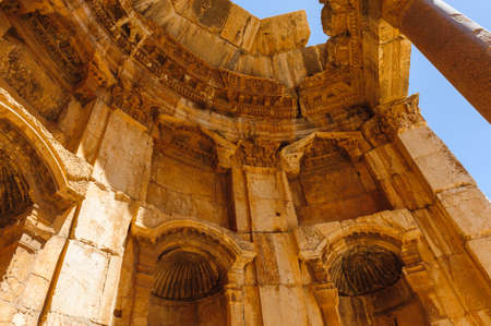 Baalbek Ancient city in Lebanon.Heliopolis temple complex.near the border with Syria.remains Banque d'images - 92025118
