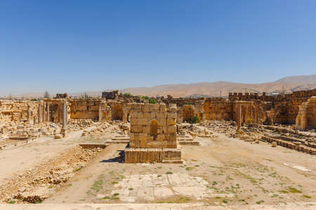 Baalbek Ancient city in Lebanon.Heliopolis temple complex.near the border with Syria.remains Banque d'images - 92174256