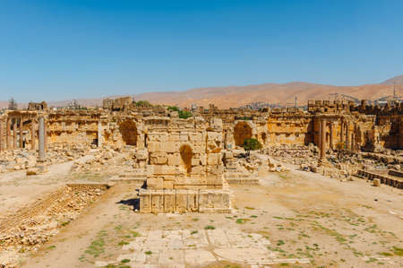 Baalbek Ancient city in Lebanon.Heliopolis temple complex.near the border with Syria.remains Banque d'images - 92880304