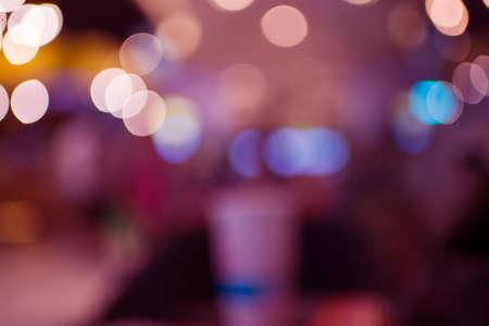 赤い輝きビンテージ ライト bokeg 背景。デフォーカス 写真素材