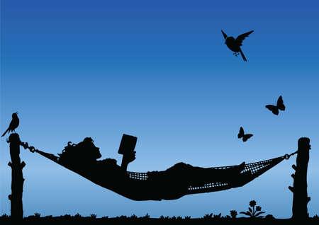 Lectura de la mujer en una hamaca contra un cielo azul