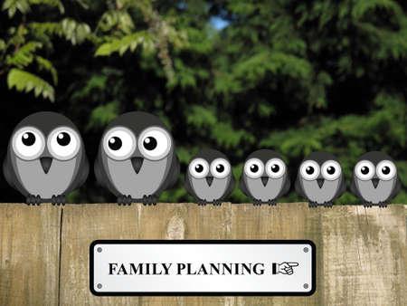 planificacion familiar: Cómico signo planificación familiar con gran familia de pájaros posados ??en una valla de jardín de madera sobre un fondo de follaje