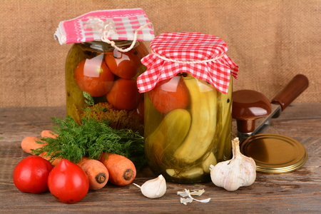 Home canning, canned vegetables Imagens