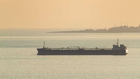 Oil tanker at sea Standard-Bild