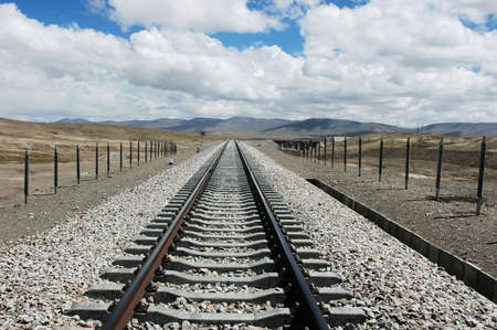 railroad transportations: Railroad tracks extending to the distant in Tibet