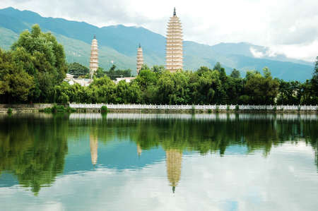 chinese pagoda: Landmarks of the famous Three Pagodas in Dali China Stock Photo