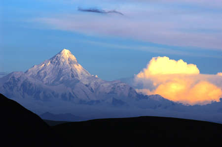 Landscape of snow-capped mountains of Gongga in Sichuan, China at sunset Stock Photo - 10054297