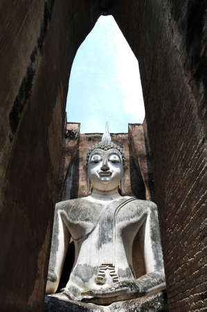 chum: Statue of a deity in the Historical Park of Sukhothai, Thailand