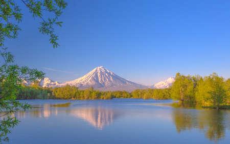 reflexion: Reflexi�n volc�n en el lago