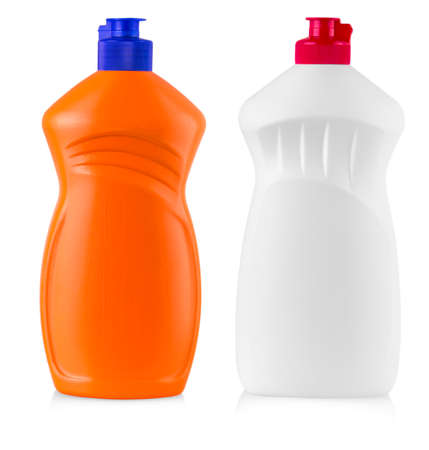 lavar platos: plastic bottles with liquid laundry detergent, cleaning agent, bleach or fabric softener isolated on white background Foto de archivo