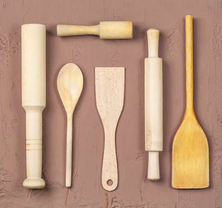 The wooden spoons, spatulas and a rolling pin 스톡 콘텐츠