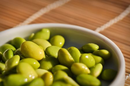 fewer: Delicious and Healthy Edamame ready to eat as a snack