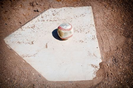 база: Old Baseball Close Up on Home Plate