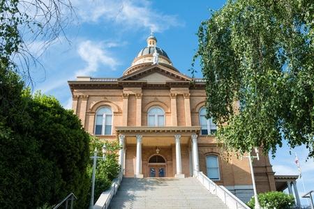 auburn: Historic Auburn Courthouse