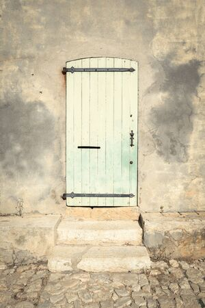 puerta verde: Vieja puerta verde