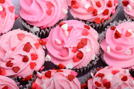 분홍색 컵 케이크