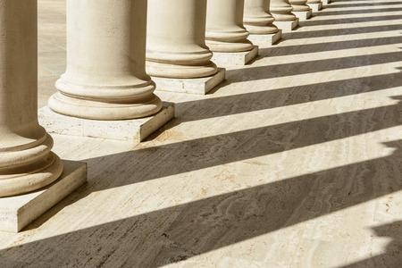 법과 정의의 기둥