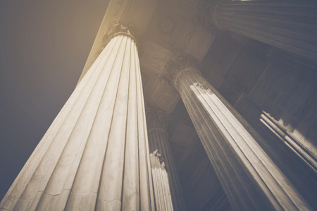 Säulen im Retro Instagram Stil