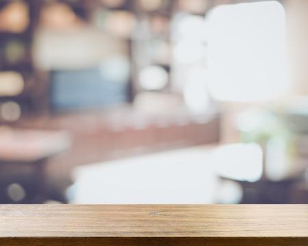 Séjour avec Blurred Télévision et Reto style filtre