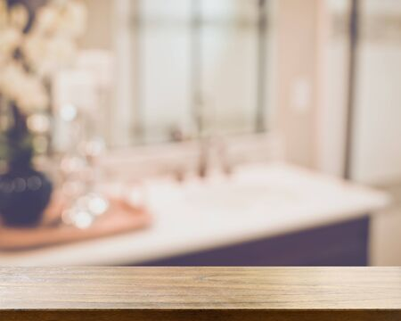 レトロなスタイルのフィルターでぼかした浴室の虚栄心