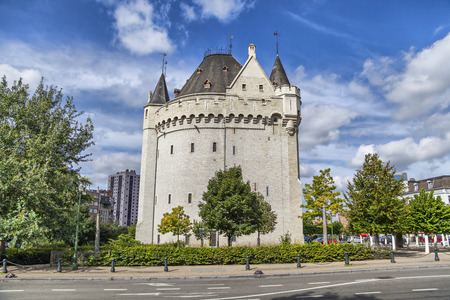 fortify: Halle Gate - the part of medieval Second City Walls of Brussels, Belgium