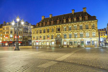 旧株式取引所リール、フランスの中心部の建物 報道画像