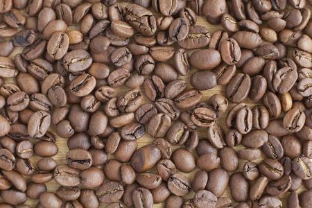 granos de cafe: Marr�n granos de caf� de fondo