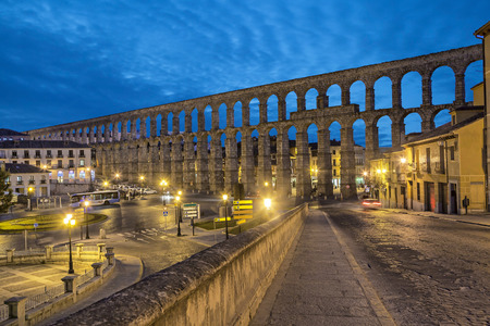 acueducto: Ancient Roman aqueduct on Plaza del Azoguejo square in Segovia, Spain