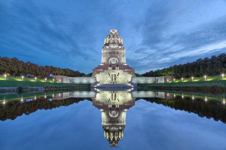100 周年、ドイツ ・ ライプツィヒの戦いのための 1913 年に建てられた国の Volkerschlachtdenkmal の戦いの記念碑 報道画像